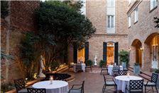 New Orleans Hotel Amenities - Chateau LeMoyne Garden Courtyard