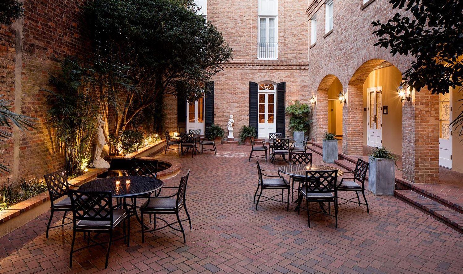 Chateau LeMoyne French Quarter, A Holiday Inn Hotel