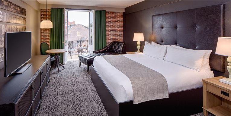 Chateau LeMoyne French Quarter, A Holiday Inn Hotel King Balcony at Louisiana
